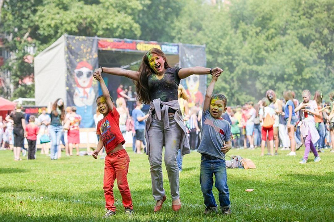 Фестиваль красок Холи 2016 (Казань)