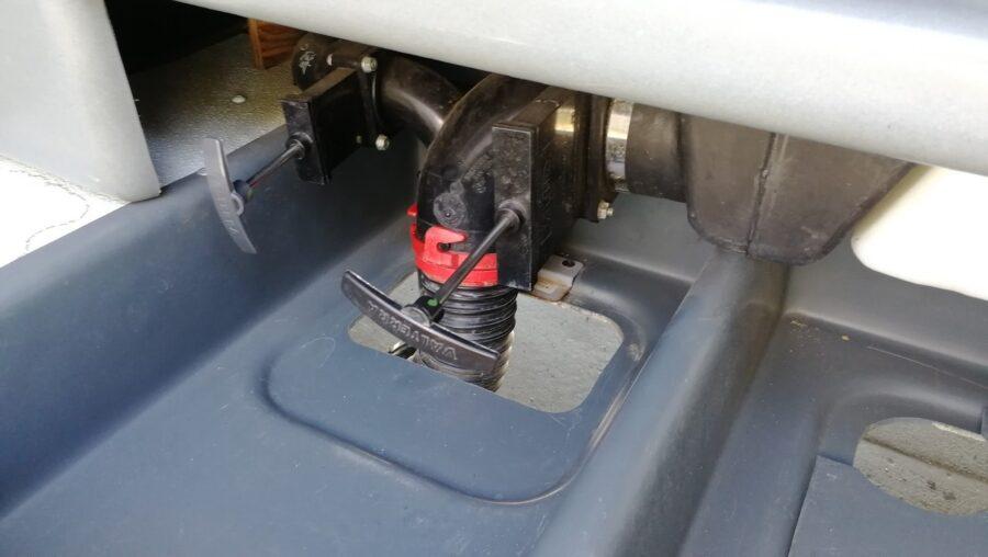 Сливные завижки в автодоме