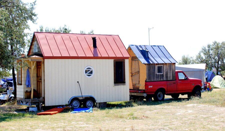 Деревня на колёсах — деревянный автодом