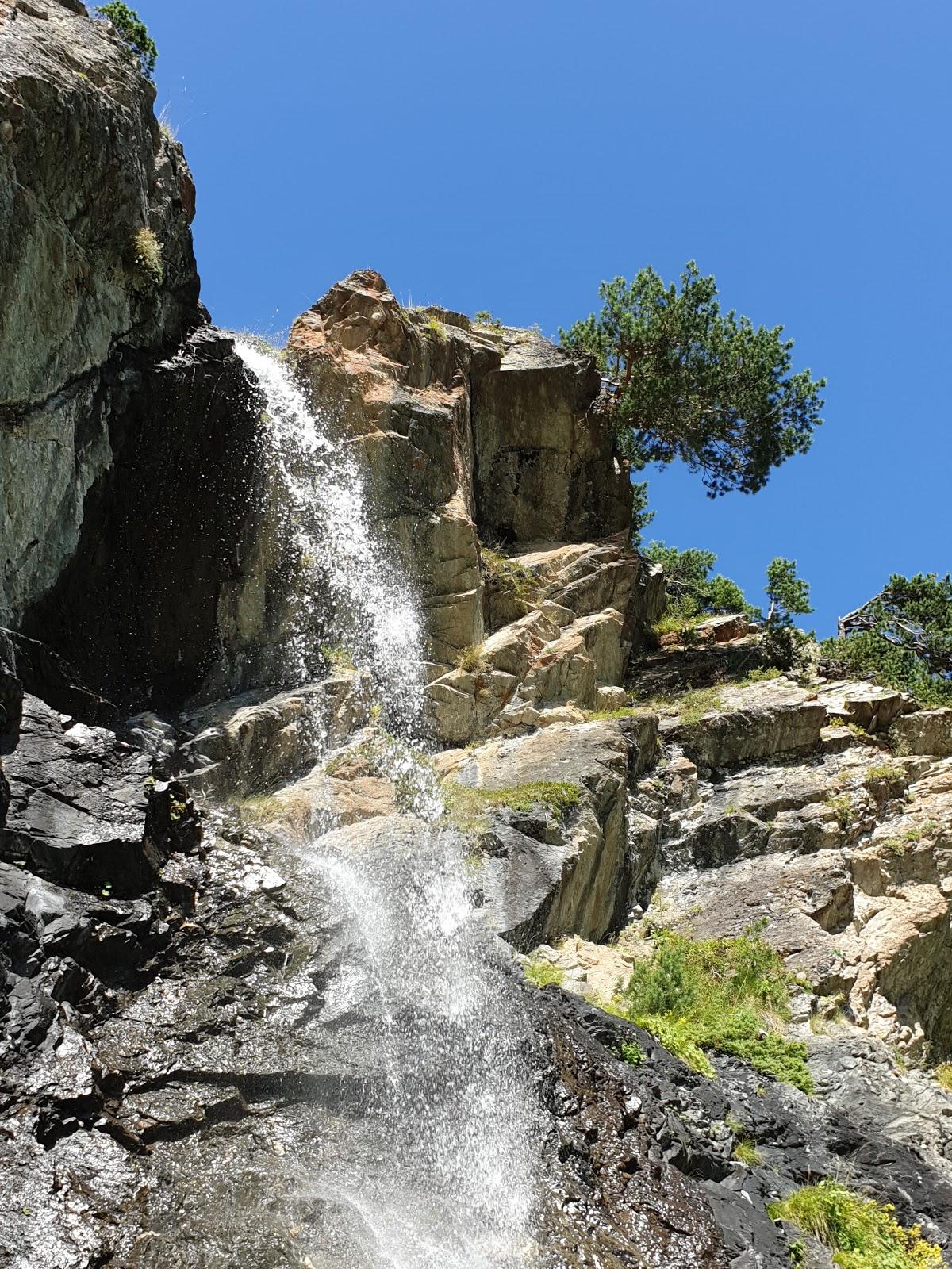 Баритовый водопад