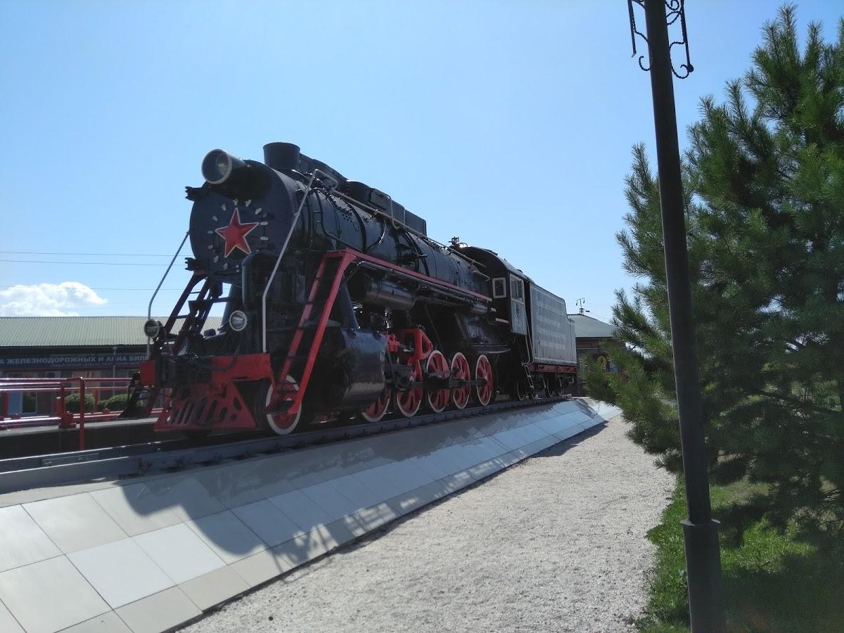 Паровоз-памятник Л-3168