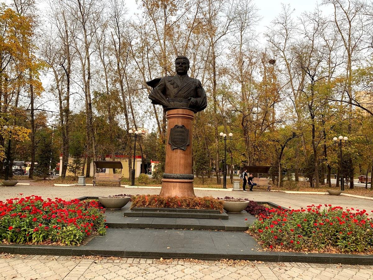 Памятник Маршалу Советского Союза Р.Я. Малиновскому