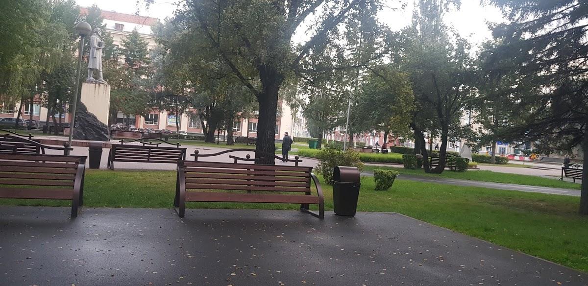 Памятник М.Волкову