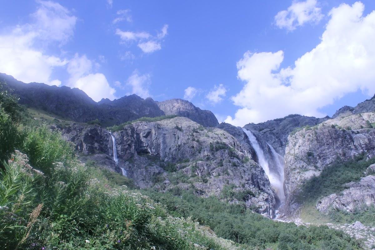 Shtugra Waterfall