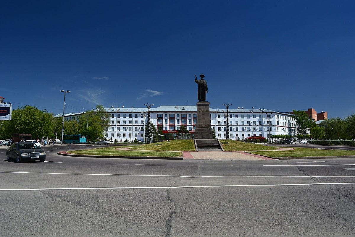 Памятник Казыбек би