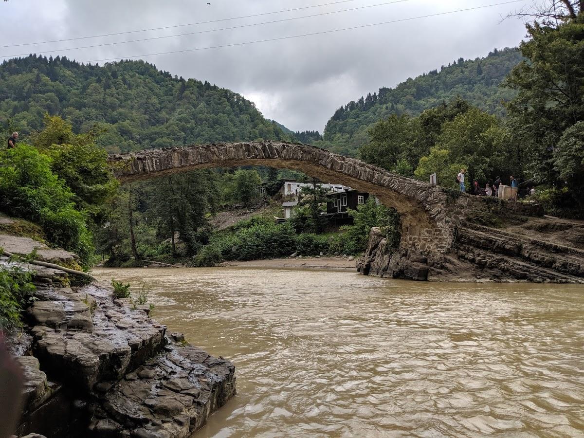Махунцети Мост Царицы Тамары