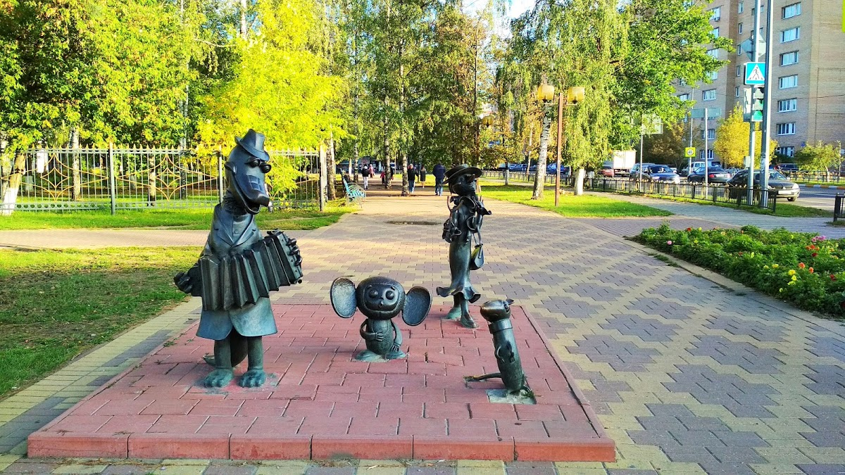 """""""Крокодил Гена"""" - скульптуры героев мультфильма"""