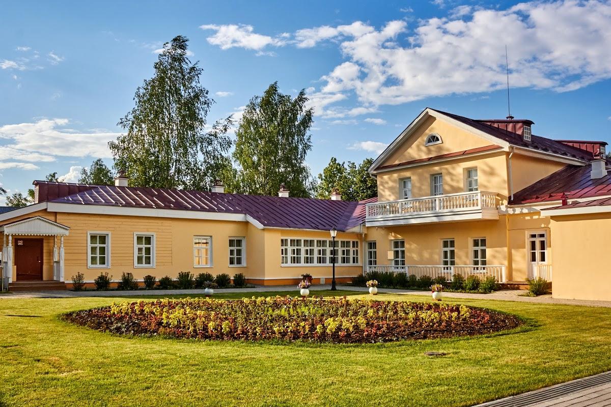 Музей-усадьба П.И Чайковского