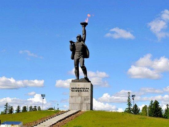 Памятник покорителям Самотлора (Алеша)