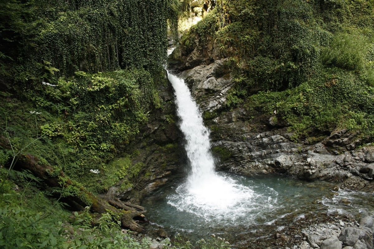 როჭოს ჩანჩქერი/ Rocho Waterfall