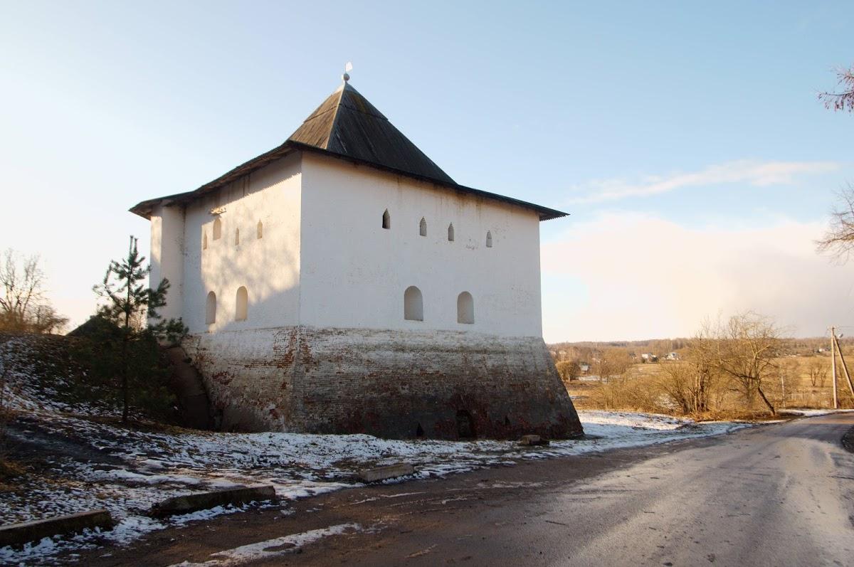 Спасская башня Вяземской крепости